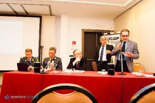 """Seminario di approfondimento sugli """"Adempimenti normativi antiriciclaggio"""" per Agenzie immobiliari"""